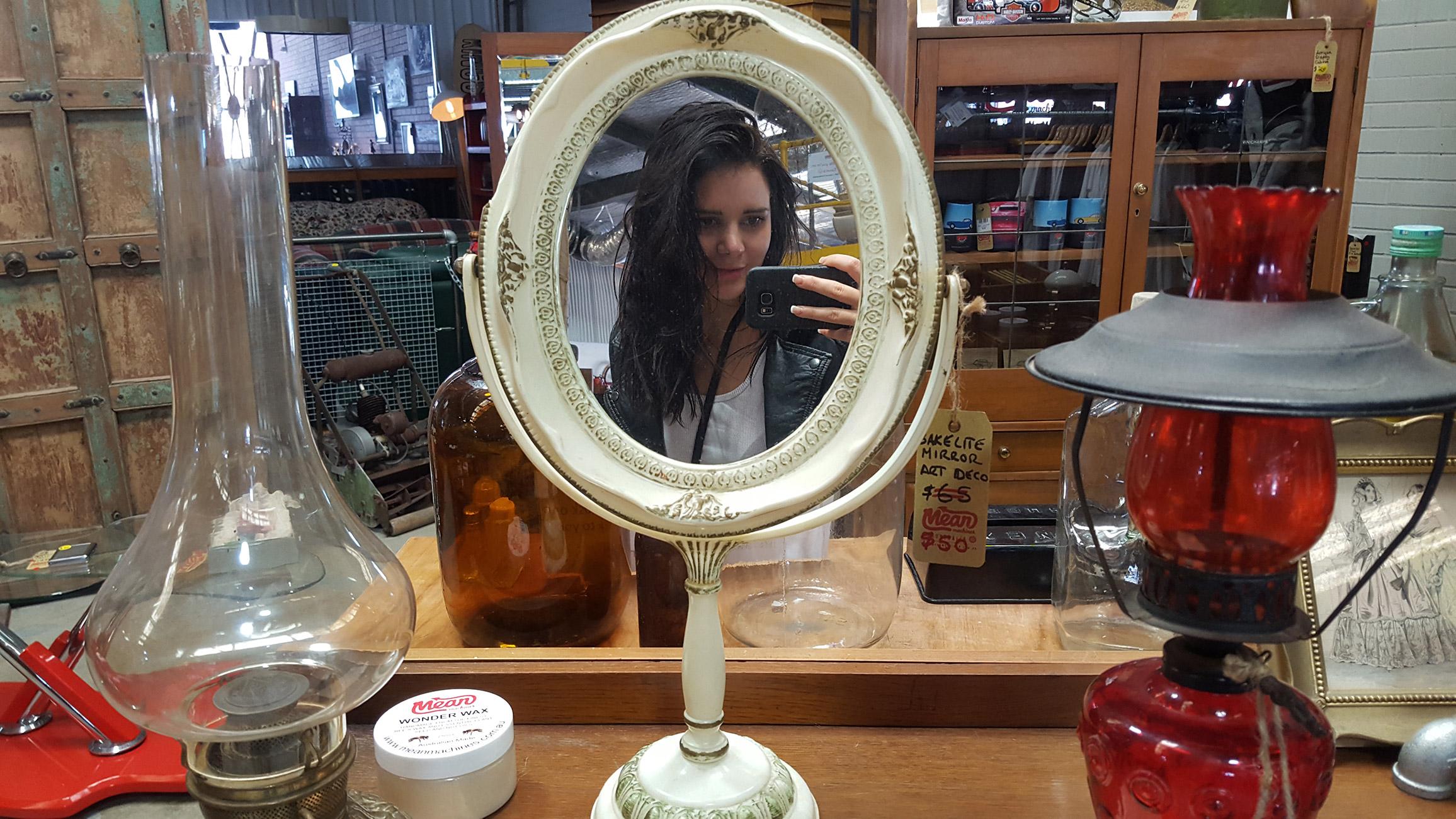 mirror-tahnee