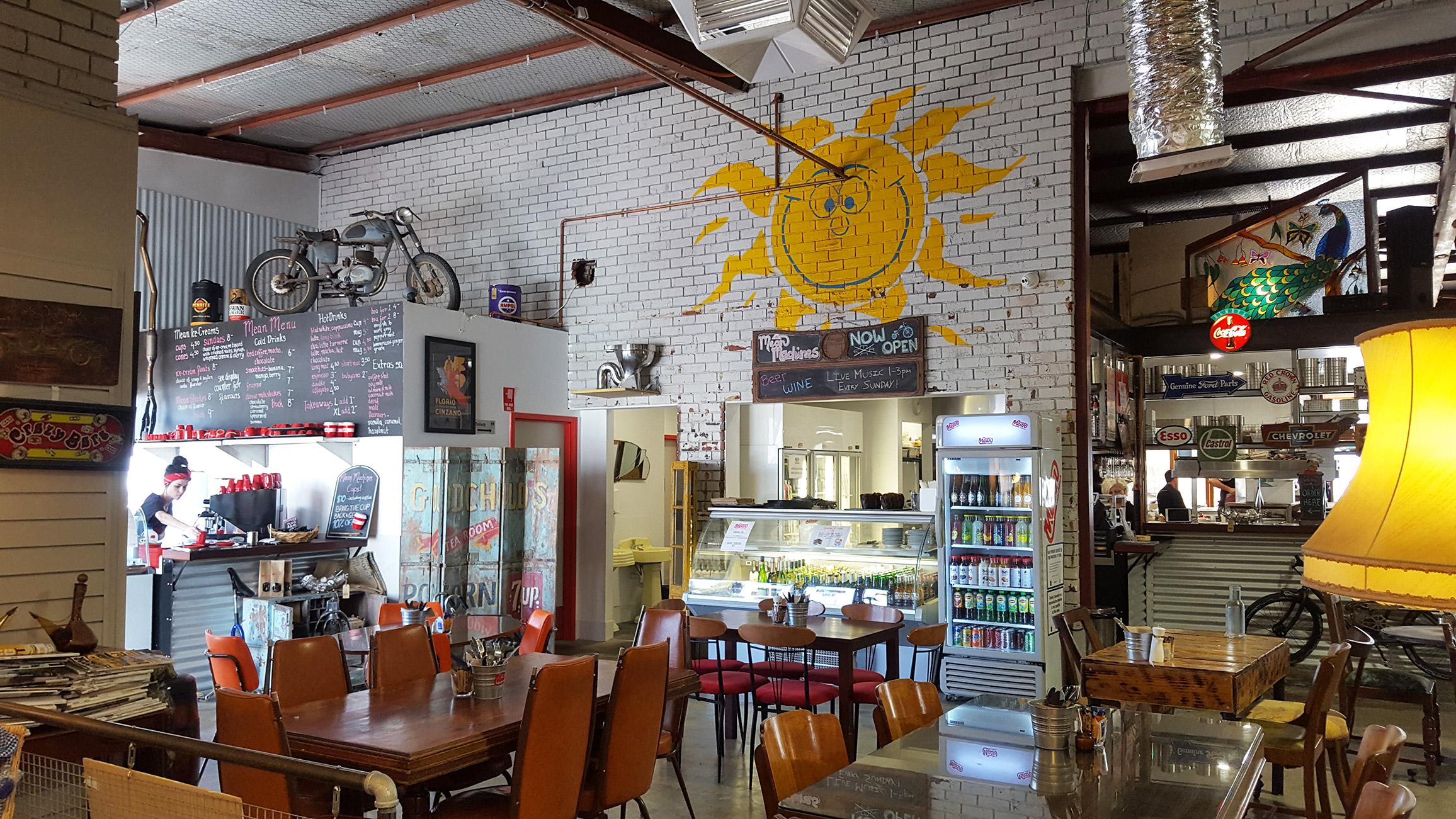 sunny-cafe
