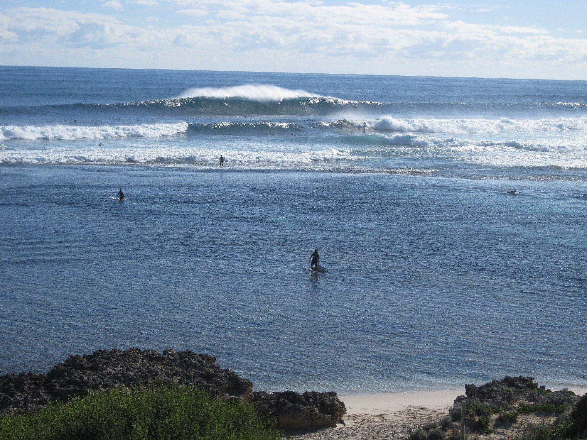 Surfing in Western Australia: Yallingup